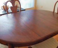 Facciamo il restauro del tavolo con le proprie mani